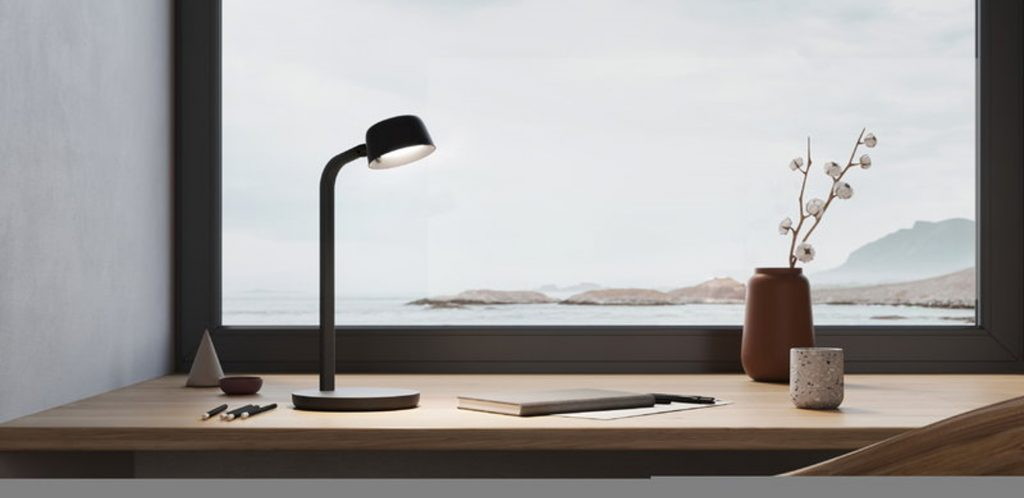 The lamp head is cup-shaped and provides bright clear light, suitable for all work tasks. Motus Table has excellent symmetric light output.
